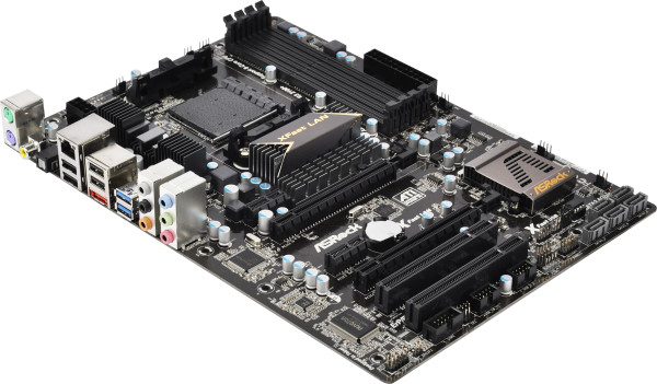 Фото товара: .плата ASRock AM3+ 970 EXTREME3 AMD 970+SB950/4*DDR3/2*PCIe x16/2*PCIe/1*PCI/5*SATA3/1*eSATA3/USB 3.0/Optical out/7.1ch/GLAN/ATX